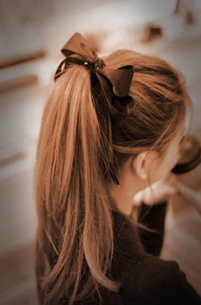 comment porter un noeud dans les cheveux sans avoir l u2019air